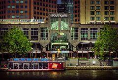 IMG_8197 - Southgate centered (Peter ZZZ) Tags: city streetphotography melbourne southbank southgate yarrariver canonef24105mmf4lisusm