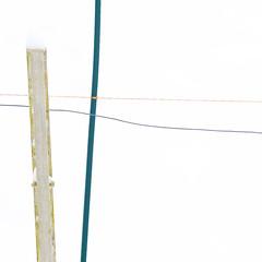 Hat of snow (zeh.hah.es.) Tags: schnee winter orange white snow green fence schweiz switzerland fences grn zaun weiss zune ktzh