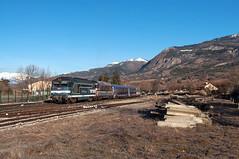 BB 67367 + BB 67427 (Enrico Bavestrello) Tags: railroad france alps nikon railway zug trains alpi francia treno trainspotting pointes sncf ferrovia treni ferrovie chorges bb67400 nikond5000 bb67400sncf intercitsdenuit bb67427 bb67400originale bb67367