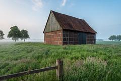 Scheune im Morgennebel (webpinsel) Tags: dülmen frühling landschaft morgensonne morgenstimmung münsterland natur nebel sonnenaufgang morgens