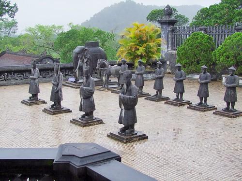 hue - vietnam 58