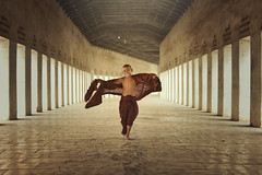 Young monk (SaravutWhanset) Tags: