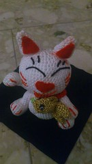 Maneki-Neko Lucky Cat. Made by me. Made by hand. (Thema hkeln_Boe) Tags: cat crochet lucky katze amigurumi glcksbringer hkeln