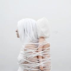 compressione plastica (O'Cinapitch) Tags: light portrait white girl nikon skin union line plastic teen creep