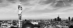 Blick vom Mailnder Dom Panorama - Panoramic view from top of the Duomo in Milan (Klaus1953) Tags: city italien houses roof sky blackandwhite italy panorama building statue italia catholic dom milano gothic himmel duomo dach gebude gotik katholisch huser mailand mily panoramicview schwarzweis satdt