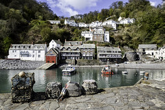 Clovelly Harbour (Elaine 55.) Tags: boats harbour devon clovelly lifeboatstation fishingbaskets