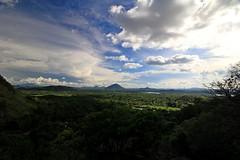 Lo Sri Lanka  anche questo #insolitamente (#Insolitamente00) Tags: travel panorama verde green colors clouds canon relax landscape temple peace bluesky srilanka colori viaggio dambulla emozioni insolitamente canon100d canonofficial