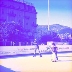 Ice Skating (sirio174 (anche su Lomography)) Tags: como piazzacavour natale christmas pattinaggio iceskating skating skates skaters bancarelle stars ghiaccio pattini