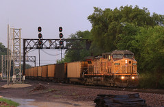 Storm light (GLC 392) Tags: railroad light storm tree wet up rain train lights illinois power pacific head union railway il solo coal ge signal rochelle cnw 6603 ac44cw ac4400cw
