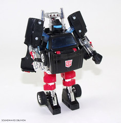 encoretrailbreaker17 (SoundwavesOblivion.com) Tags: 4x4 4wd transformers toyota g1 camper autobot encore hilux reissue cybertron joustra  diaclone trailbreaker  trailcutter diakron