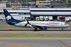 "XA-AME | Boeing 737-852/W | Aeromexico (w/ ""Galaxy S7 edge"" logo) (cv880m) Tags: newyork jfk kjfk kennedy xaame boeing 737 738 737800 737852 winglet scimitar splitscimitar aeromexico mexico samsung galaxy s7 edge"