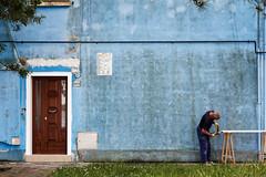 (Gregory Cassat) Tags: street blue venice urban italy lines canon italia streetphotography bleu venise venezia azzurro italie burano eos550d gregorycassat