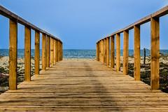 Verso il mare (SDB79) Tags: costa mare spiaggia legno molise passeggiata camminare petacciato steccato passarella