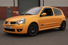 LY 182 27-06-16 005 (AcidicDavey) Tags: yellow clio renault liquid 182 renaultsport