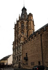 Cologne City Hall Gothic style tower (Ratsturm) (PhotosToArtByMike) Tags: tower germany europe cityhall dom gothic cologne rathaus oldtown koln rhineriver klnerdom oldtownhall colognegermany colognecityhall klnerrathaus ratsturm oldquarterofcologne