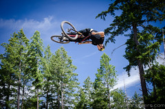 Bear Mountain Bike Park-4659 (mariskar) Tags: cycling jumping air bikes bearmountain biking mtb airbag mountainbiking crankworx freeride victoriabc bikepark dirtjumping bearmountainresort jordielunn thecyclingco bearmountainbikepark