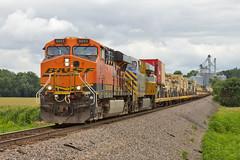 Military on the Move (Trainboy03) Tags: santa burlington illinois il fe northern bnsf 6043 ophiem