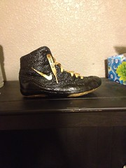 Custom inflicts:) (coloradokid24(has kolats)) Tags: gold og olympic laces p2 oes combats p2s rulons inflicts uploaded:by=flickrmobile flickriosapp:filter=nofilter