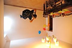 unusual photographer (Eddie_Felson) Tags: beer colors tomato balloons table lights nikon photographer chairs levitation cups gravity backpack luci unusual zaino colori sedie birra tavolo pomodoro fotografo wineglasses palloncini gravit tazze levitazion