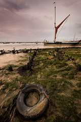 Dawn. (Andy Bracey -) Tags: england seascape landscape dawn nikon october mud beautifullight estuary mudflats barge tyre 1897 merseaisland thamesbarge sailingbarge bracey westmersea theworldwelivein oysterbeds riverblackwater d700 andybracey