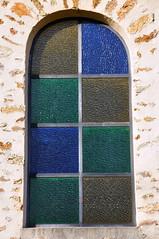 Vitrail (garpar) Tags: france jaune nikon vert bleu vitrail iledefrance fentre eglise couleur seineetmarne d90 nikond90 garpar giremoutiers