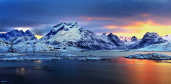 Sunset in Lofoten Island (Francesco Russo 63) Tags: travel sunset seascape norway landscape lofoten vision:mountain=07 vision:sky=0949 vision:clouds=0811 vision:ocean=0598 vision:outdoor=0989