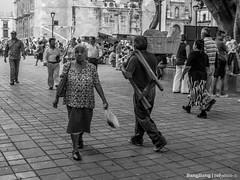 Caminando por el Zócalo. / Walking at the Square (cefuenco) Tags: blackandwhite blancoynegro streetphotography oaxaca fotografíacallejera originalphotographer photographersontumblr