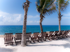 Cancn #MX (Memo Palacios) Tags: ocean blue sea beach mexico paradise peace chairs paz playa rest cancun vacations paraiso descanso