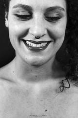 Junkal (rubenoteroaudiovisual) Tags: ladies light blackandwhite woman luz girl smile smiling lady canon studio happy mujer flash happiness artificial 7d sonrisa felicidad feliz sonriendo