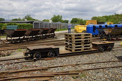 Tieflader Wagon beim Frankfurter Feldbahn Museum 21-05-2016 (marcelwijers) Tags: museum wagon beim gauge narrow frankfurter schmalspur dieplader smalspoor feldbahn tieflader 21052016