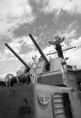 USS Laffey (Nathan Vitale) Tags: war machine destroyer cannon ww2 battleship worldwar2 charlestonsouthcarolina usslaffey 20mmcannon