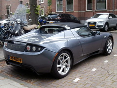 Tesla Roadster 2011 (a.k.a. Ardy) Tags: softtop 36nzx4
