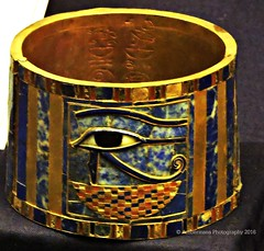 Gold bracelet with the Eye of Horus (Amberinsea Photography) Tags: egypt horus ancientegypt cairomuseum goldbracelet shoshenqii amberinseaphotography