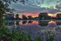 Star t (toulavej54) Tags: voda stromy labe mraky slunce svtn rno rkos