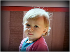 Maelys (LILI 296....) Tags: portrait girl powershot enfant bb fillette maelys canonpowershotg7x