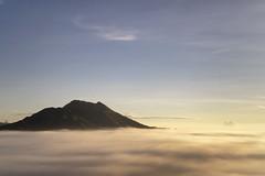 DSC01086 (aisiew_lim) Tags: morning mountain lake sunrise landscape mt lakeview batur seaofclouds mtbatur mtkintamani