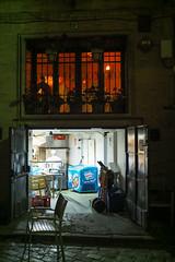 Oben Restaurant, unten Küche (Lens Daemmi) Tags: kitchen night restaurant sevilla nacht seville küche