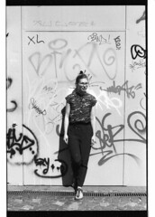 (zrln) Tags: portrait film minolta graffity
