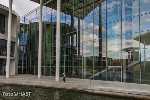 Regeringsgebouwen vanaf de Spree, Berlijn