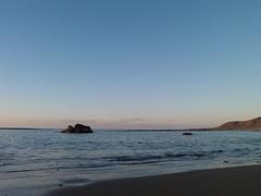 P1051403 (alejandravegamartn) Tags: paisaje landscape places lugares gran canaria las canteras playa beach human humano seor hombre teide mar oceano ocean instantes instants barco boad