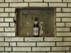 Hansa-Rahmen (mkorsakov) Tags: art beer wall wand kunst bahnhof frame bier pils hbf dortmund hansa rahmen