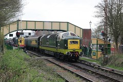 Alycidon for Alresford (jalapenokitten) Tags: diesel unitedkingdom railway hampshire locomotive gbr deltic ropley midhantsrailway class55 d9009 55009