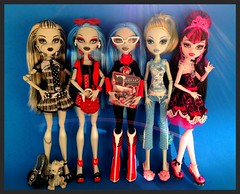 spam :) (Laila X) Tags: blue monster toys high doll dolls frankie stein mattel sdcc tooys lagoona yelps ghoulia draculaura uploaded:by=flickrmobile flickriosapp:filter=nofilter