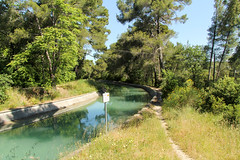 Ancien Chemin d'Aix - Ventabren (France) (Meteorry) Tags: morning france green water june canal eau europe turquoise vert paca provence matin drinkingwater bouchesdurhône ventabren meteorry durance provencealpescôtedazur 2013 eaupotable canaldemarseille ancienchemindaix