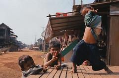 Cambodia kompong khleang (Jim Delcid) Tags: cambodia voigtlander siemreap fishingvillage zeissplanar50f2zm kompongkhleang ektar100 kokakektar100 vision:outdoor=0884