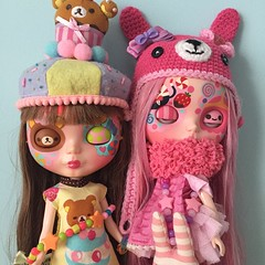 No need for filters on these two #blythedoll #customdolls #customblythe #blythe #blythecustom #ooak #toy #bubblegum #pink #princessbubblegum