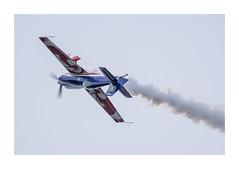 Extra 330 (Tnio) Tags: de flying spirit meeting 330 airshow ciel nuage extra lair arme arien voltige biscarrosse fum