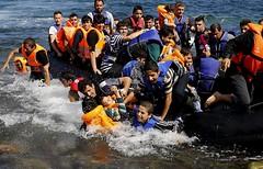 ataques de barco conta los botes (elecrissanperez) Tags: barco patera refugiados sirios