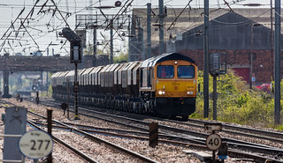 GBRf Class 66/7 no 66765 approaches Newark Flat Crossing on 05-05-2016 with the Middleton Towers to Barnby Dun