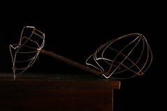 Dumbell (Studio d'Xavier) Tags: stilllife wire rust bent crushed dumbell strobist werehere topiaryform nostrobistinfo removedfromstrobistpool thesemioticgrid seerule2